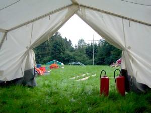 Der Förderkreis kümmert sich um den Aufbau der Zeltlager